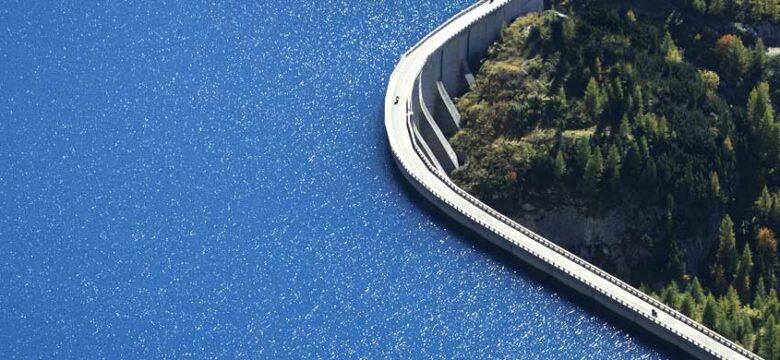 Wir helfen bei der Dimensionierung von Hochwasserprojekten